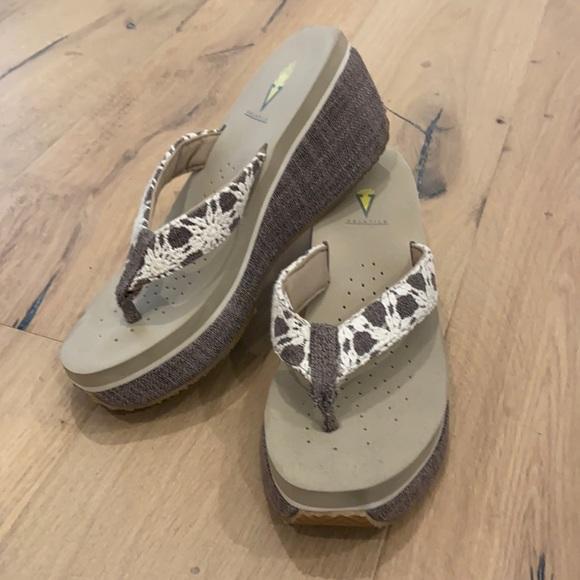 Women's Volatile Wedge Sandals Size 10